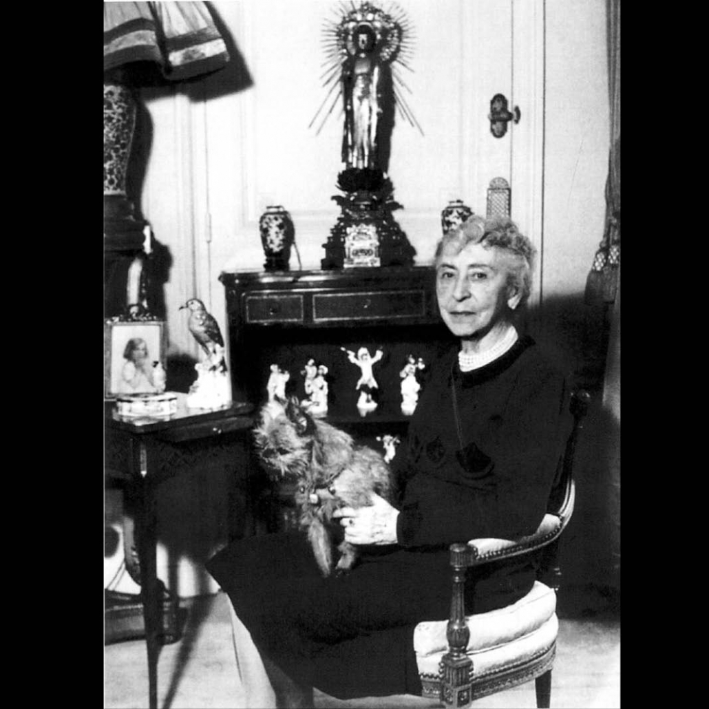 """Marie-Louise Ritz in her appartment at """"The Ritz"""" in Paris. Until her death in 1961, she was the heart and soul of the world-famous hotel, and she and her son Charles established the César Ritz Foundation."""