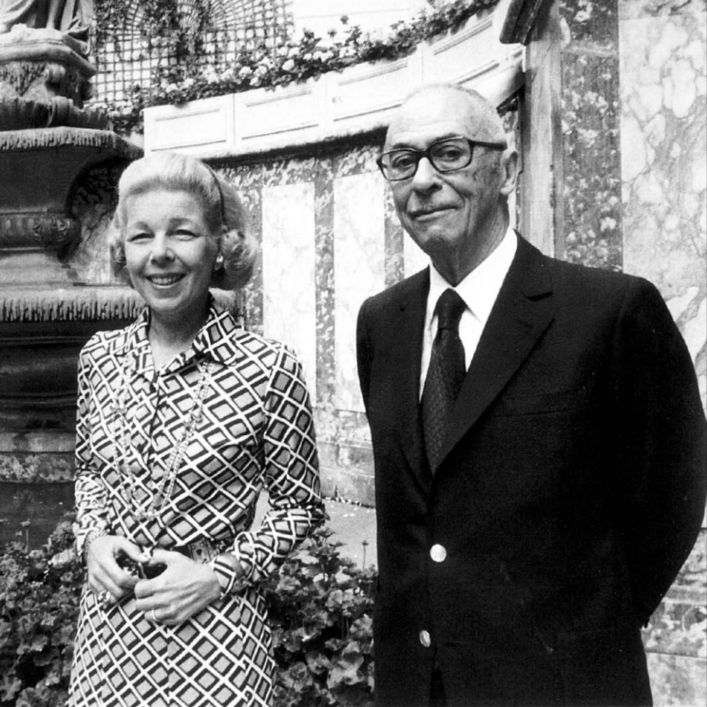 """Charles and Monique Ritz in the garden of """"The Ritz"""" in Paris. After the death of Charles Ritz (1976), his wife Monique took over the management of the hotel."""